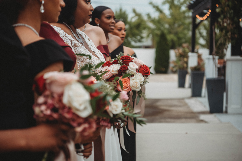 Stratton Hall, bride, fall wedding, storytelling images, bridesmaids, flowers