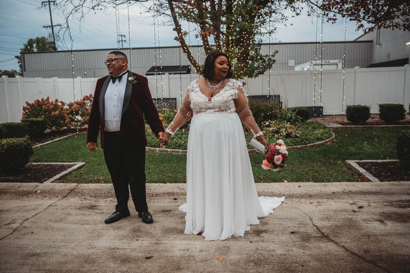 Stratton Hall, bride, fall wedding, storytelling images, bride and groom