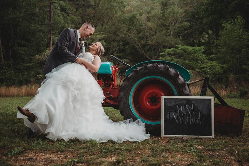 Intimate summer wedding in Chattanooga TN