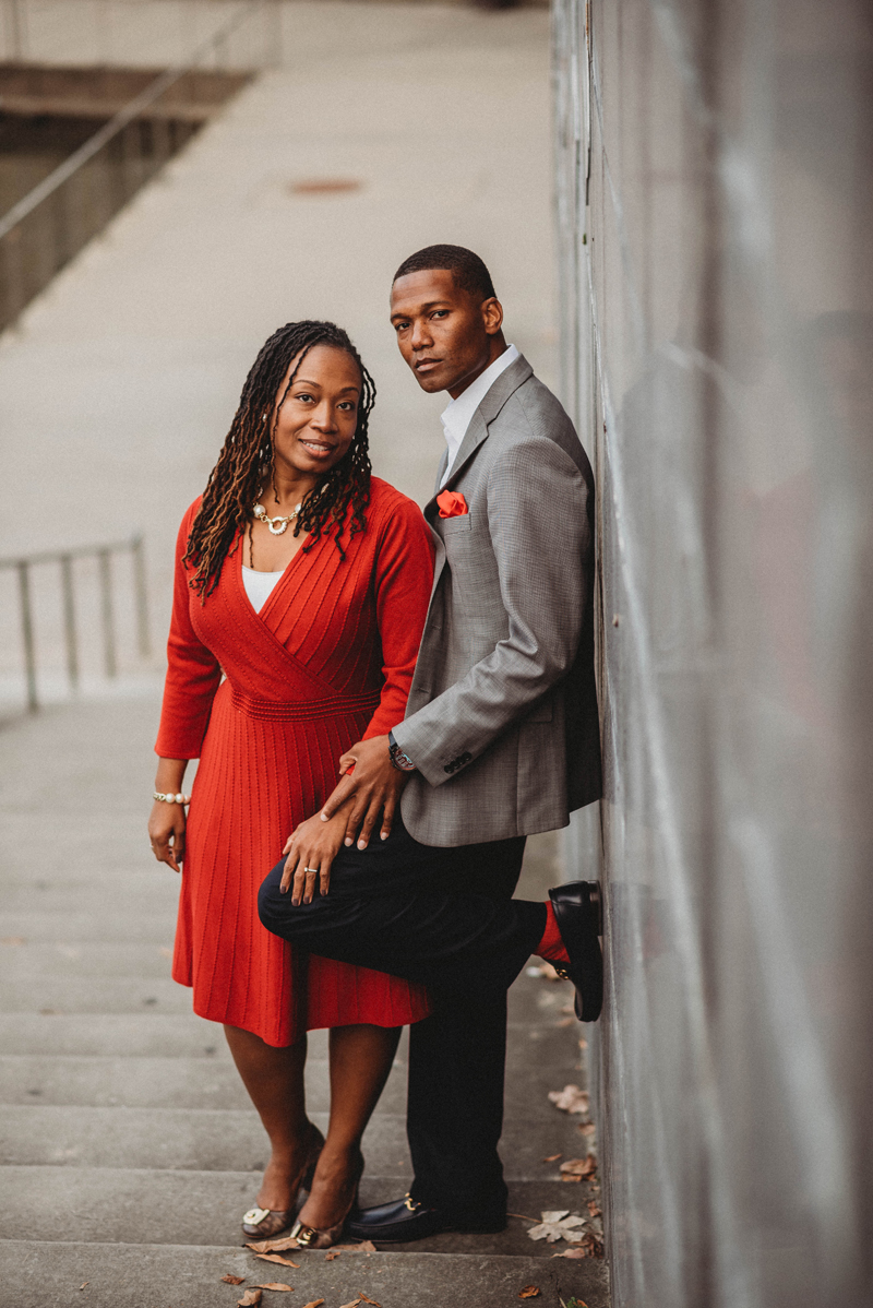 Engagement session, Downtown Chattanooga, storytelling images