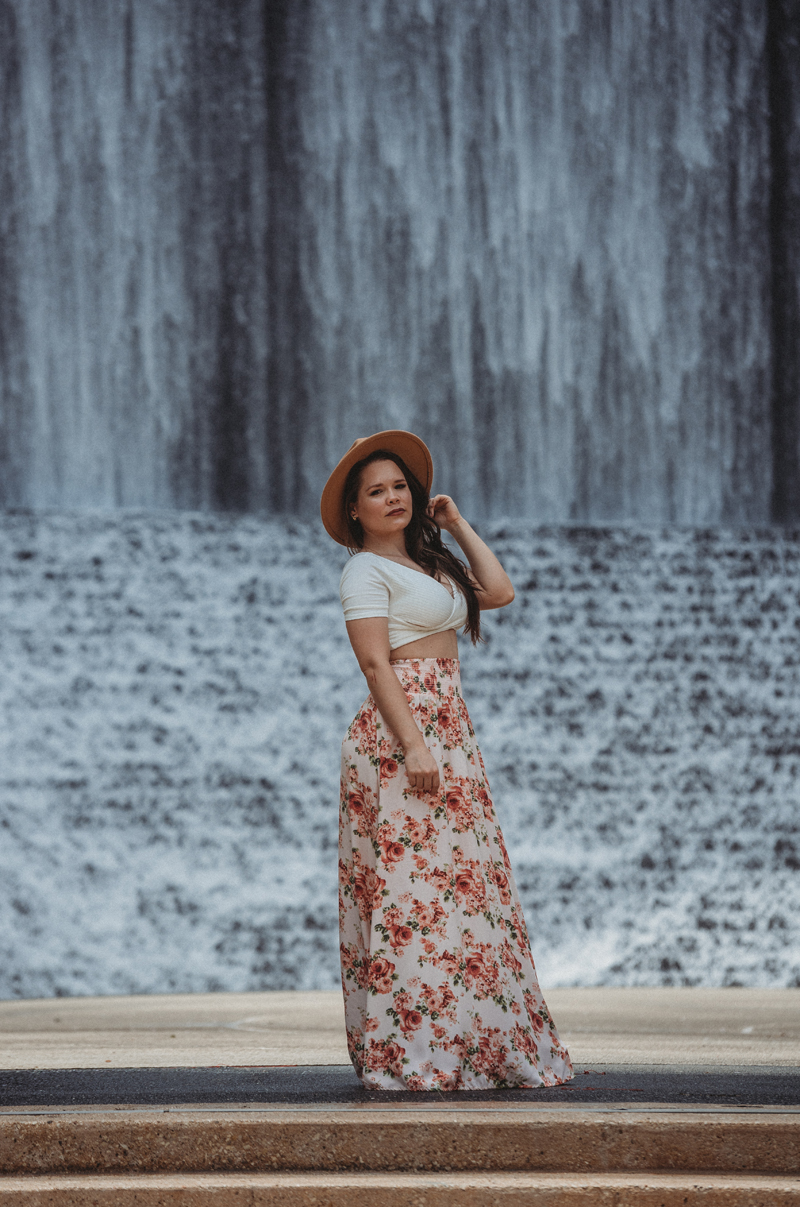 Traveling Photographer, Houston TX, Water Wall, Storytelling images